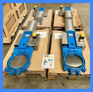 Bi-directional knife gate valves